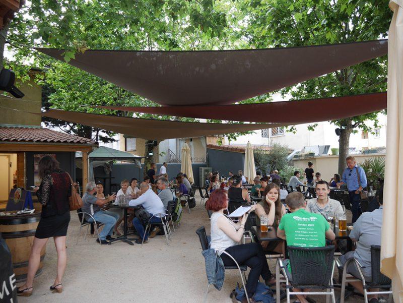Bar avec terrasse dans le 7ème arrondissement de Lyon