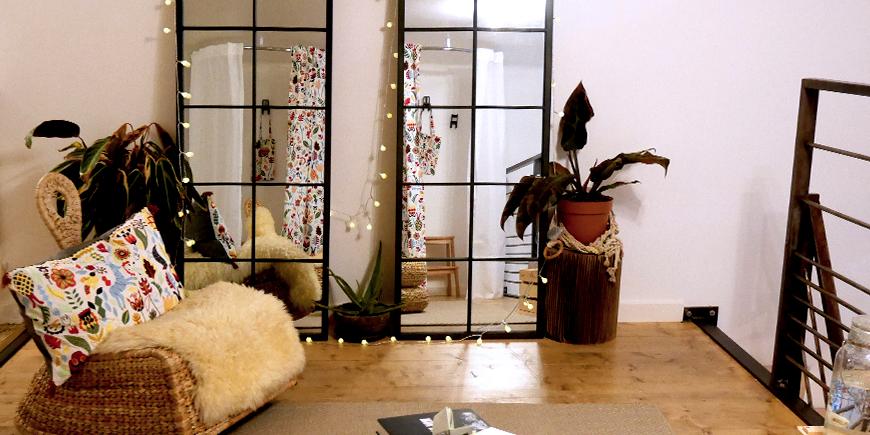 la chouette curieuse le d p t vente chic du 7eme lyon citycrunch. Black Bedroom Furniture Sets. Home Design Ideas