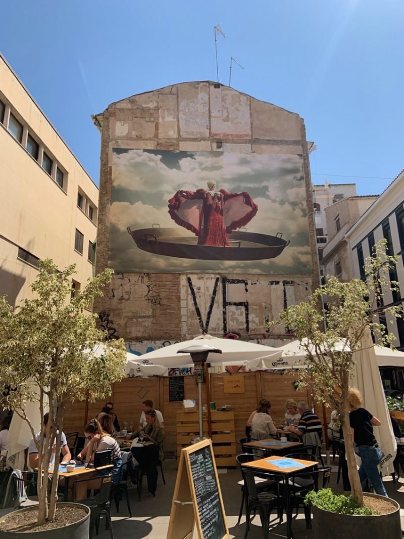 Cantatrice Paella Street Art