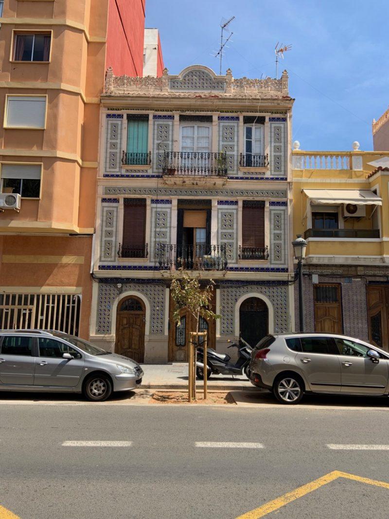 Facade à Cabanal à Valence
