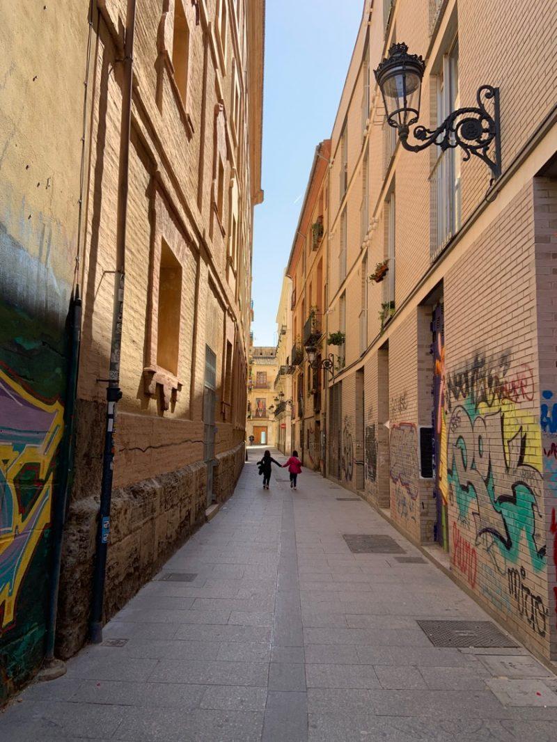 ruelle taguée à Valence