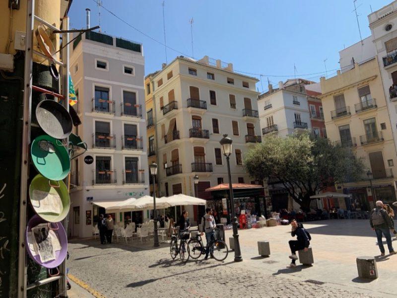 Petite place à Valence