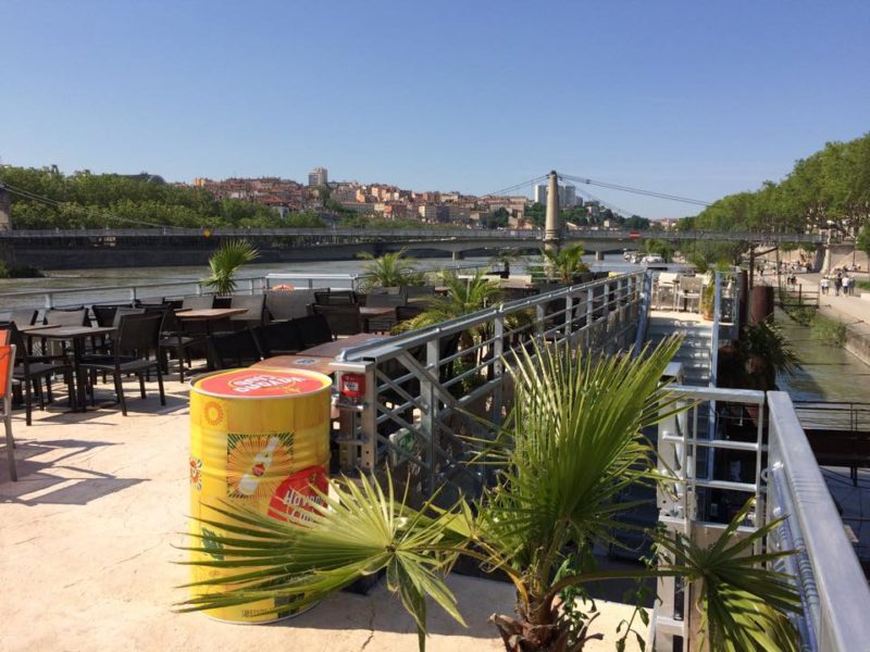 Bar au soleil dans le 6ème arrondissement de Lyon