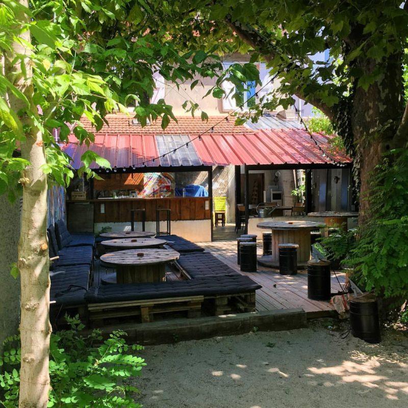 Bar au soleil dans le 8ème arrondissement de Lyon