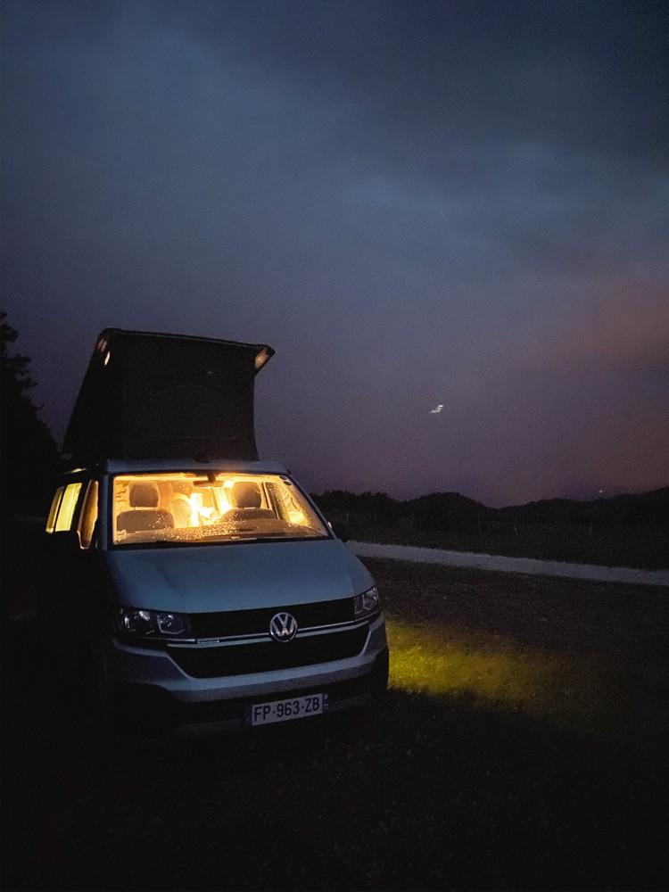 Dormir Van dans le Nuit