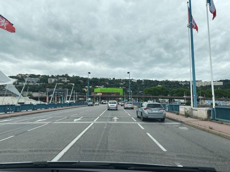 Van au départ de Lyon