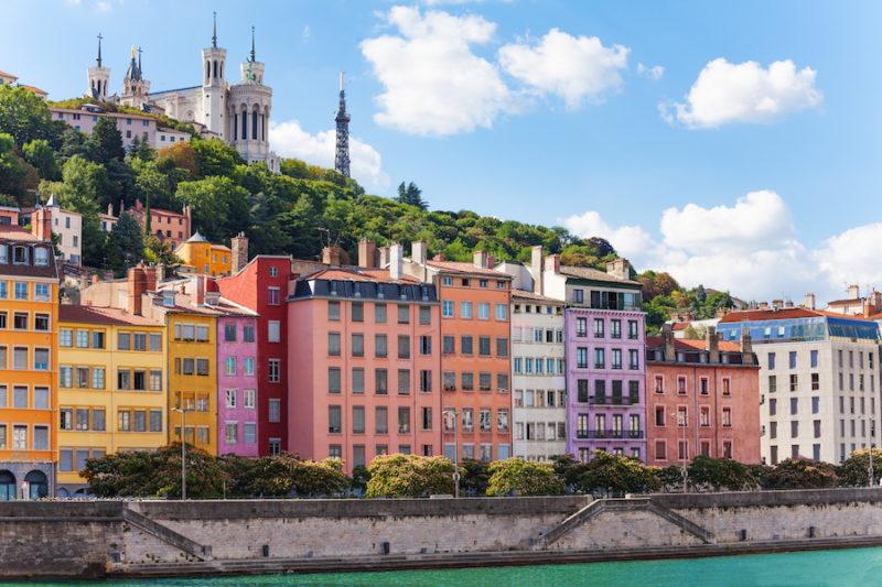 Vue du Vieux Lyon depuis la Saône