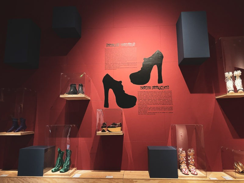 Exposition Chaussures