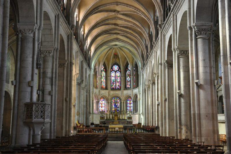 Intérieur de la Cathédrale Saint Jean à Lyon